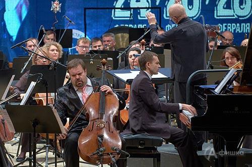 Борислав Струлёв (виолончель), Дмитрий Каприн (фортепиано)